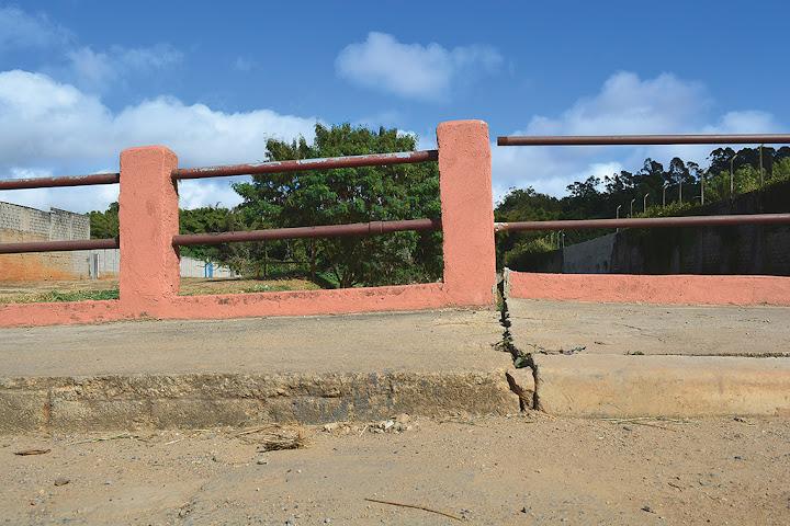 Vereador Gonzaga pede solução para ponte da avenida Jaboticabal