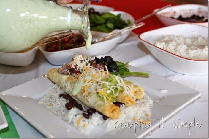 #ad Delimex-taco-bar-with-pico-de-gallo-and-cilantro-ranch-dressing #DelimexFiesta (10)