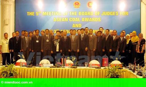 Hình 1: Diễn đàn Than ASEAN 13 chính thức khai mạc tại Hạ Long