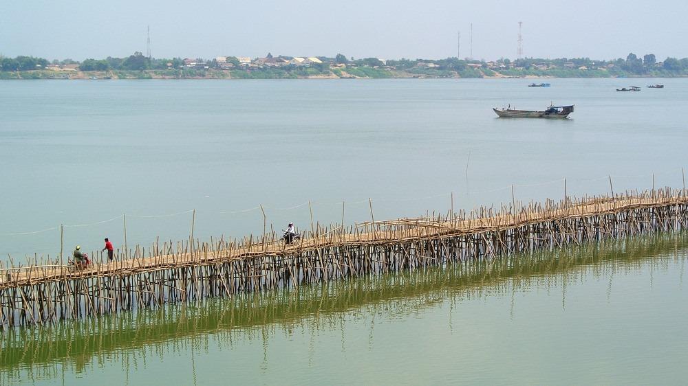 kampong-cham-bamboo-bridge-22