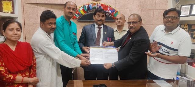 राकेश श्रीवास्तव इंटरनेशनल मेडल से सम्मानित