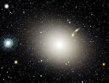galáxia elíptica M87