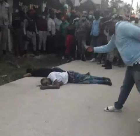 Abordó de un motor 115, matan a raso de la Policía Nacional y un civil