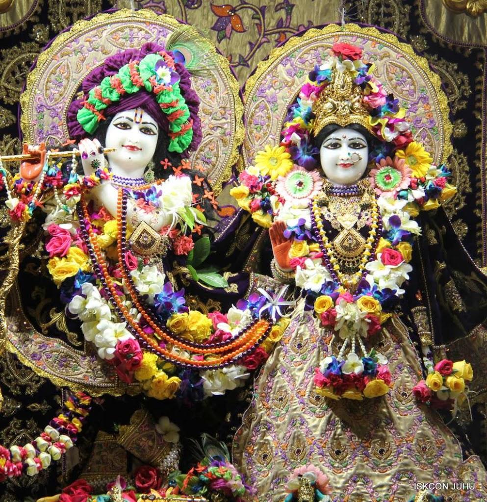 ISKCON Juhu Sringar Deity Darshan 19 Dec 2015 (3)