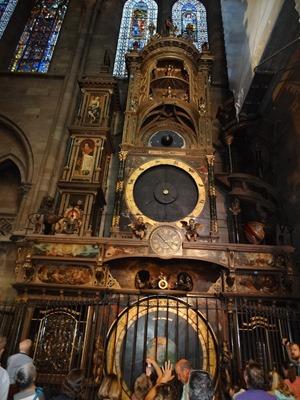 2017.08.22-020 horloge astronomique dans la cathédrale