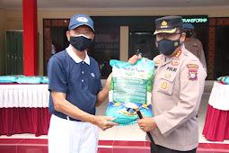 Polresta Barelang Menerima Bantuan Beras 50 Ton Dari Yayasan Buddha Tzu Chi Indonesia