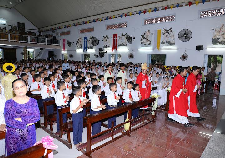 Giáo xứ Thủy Lợi: Thánh lễ  mừng kính thánh quan thầy và ban phép thêm sức
