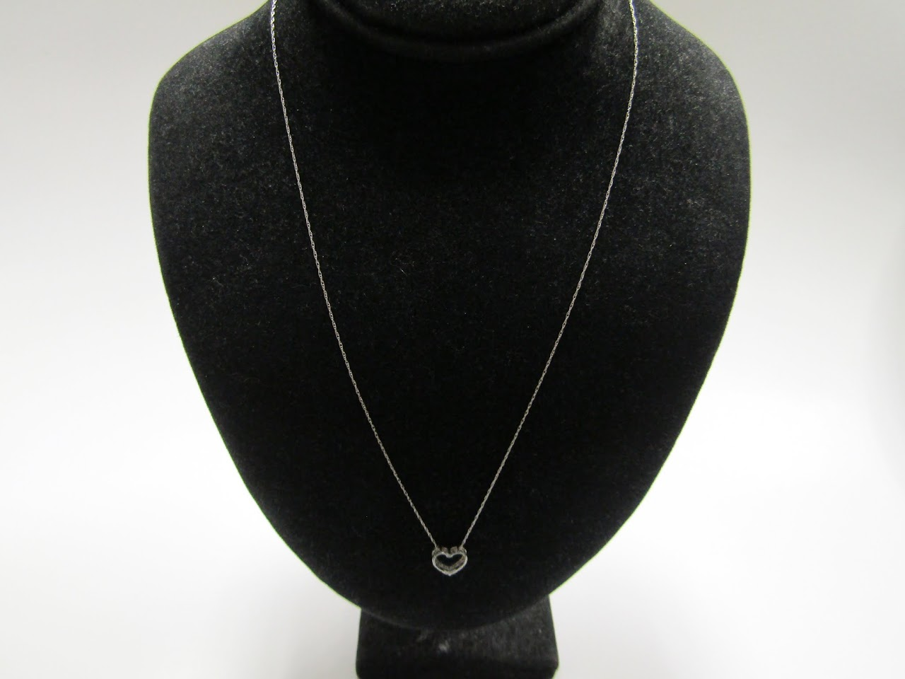 10 K White Gold necklace & Pendant