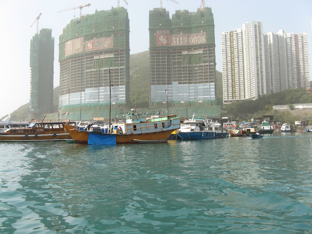 0190Cruise on Victoria Harbour