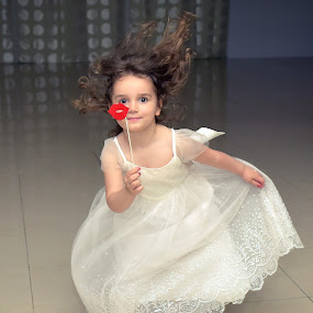 dance with the heart ;) by Boris Romac - Wedding Other ( d750, sigma, f1.4, wedding, 35mm, art, croatia, coguar, nikon )