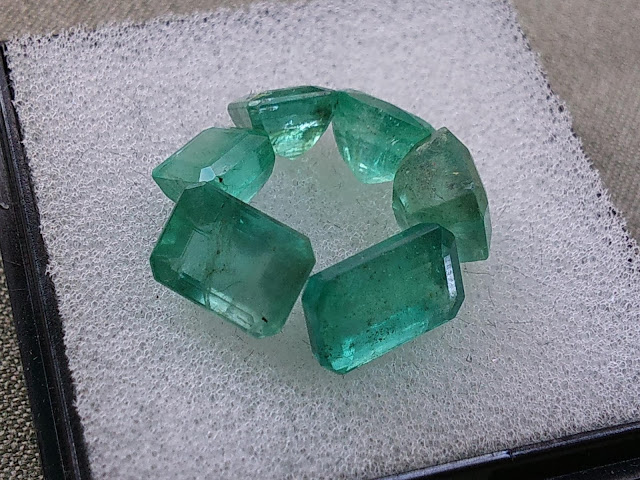 Ngọc Lục Bảo, Natural Emerald thiên nhiên