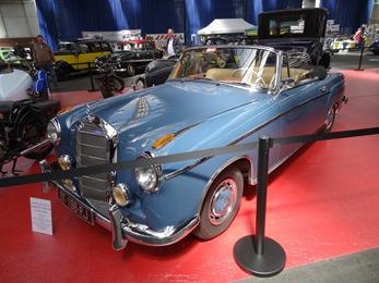 2017.05.20-040 Mercedes 220 SE cabriolet Ponton 1958