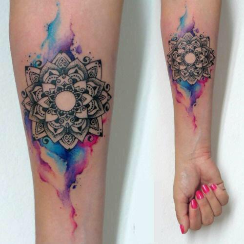 Aquarela tatuagem de mandala projetos e ideias para homens e mulheres