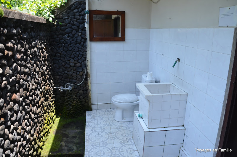 Lihat Sawah 1, outdoor bathroom, budget room 4