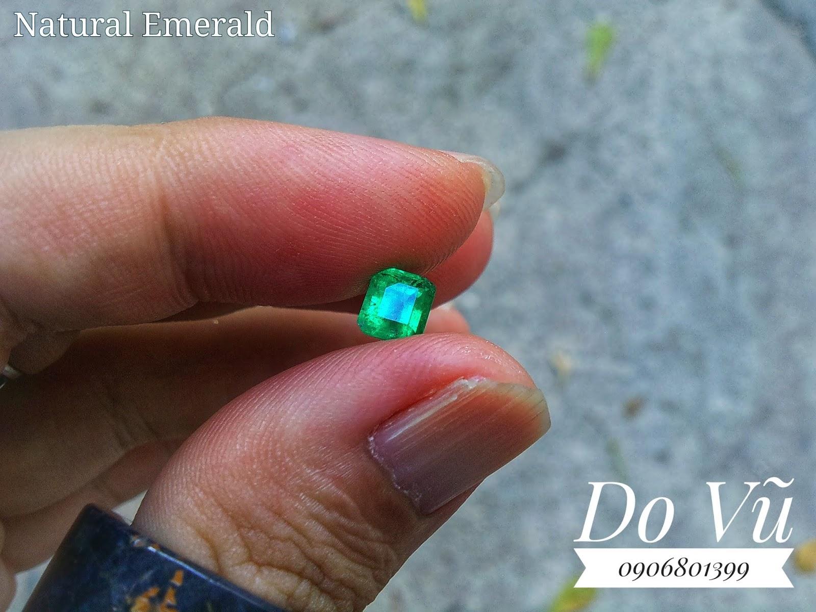 Đá quý Ngọc Lục Bảo thiên nhiên, Natural Emerald Colombia xanh dạ quang cực mạnh ( 19/05/20, 01 )