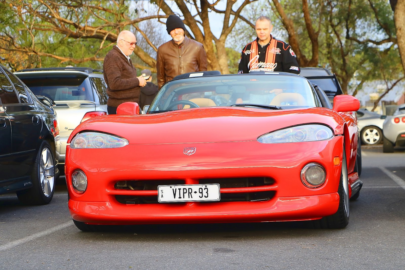 1993 Dodge Viper Front Left.jpg