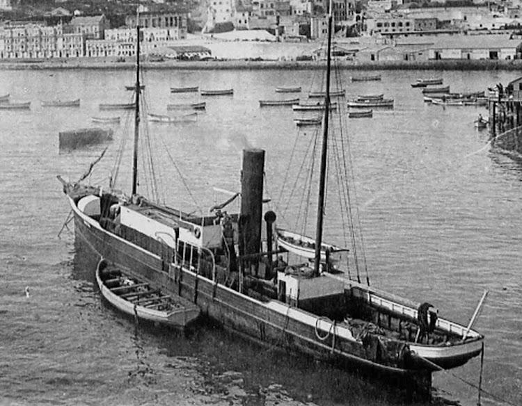 Vapor QUETZAL en Tanger. Foto de origen indeterminado.jpg
