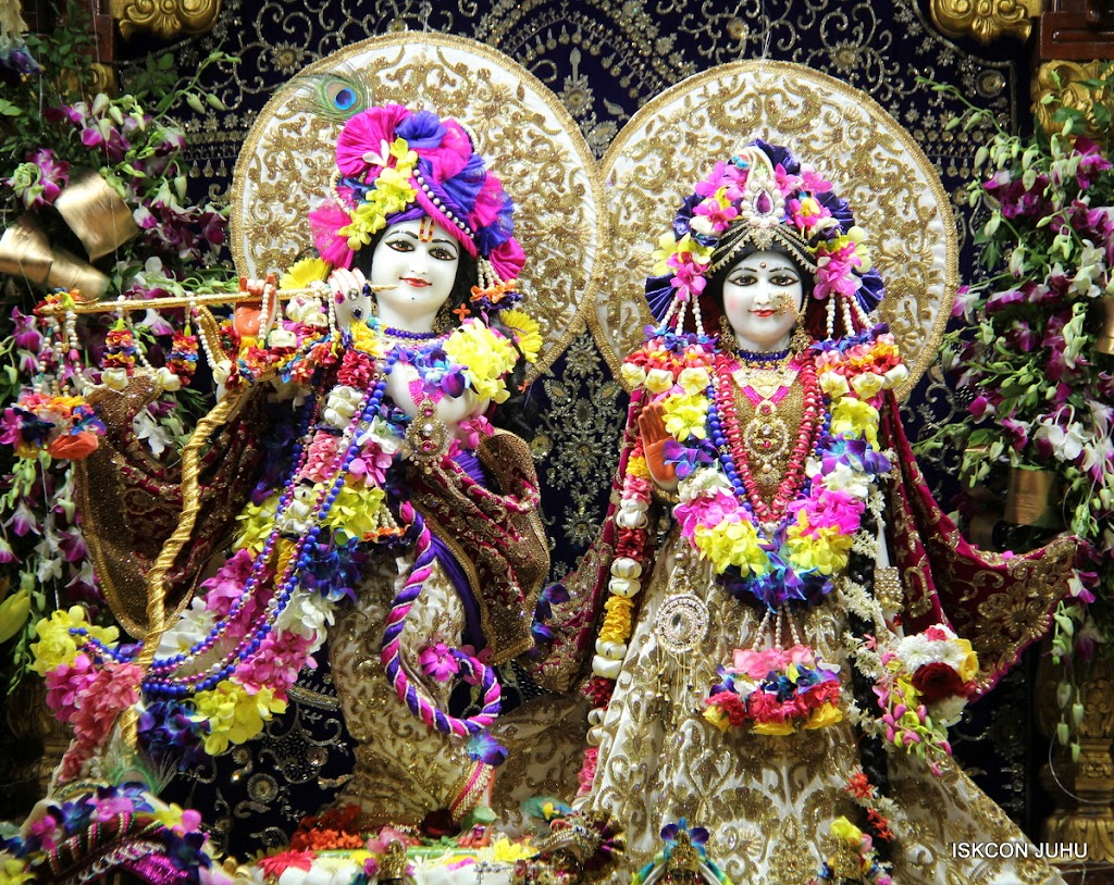 ISKCON Juhu Sringar Deity Darshan on 25th August 2016 (68)