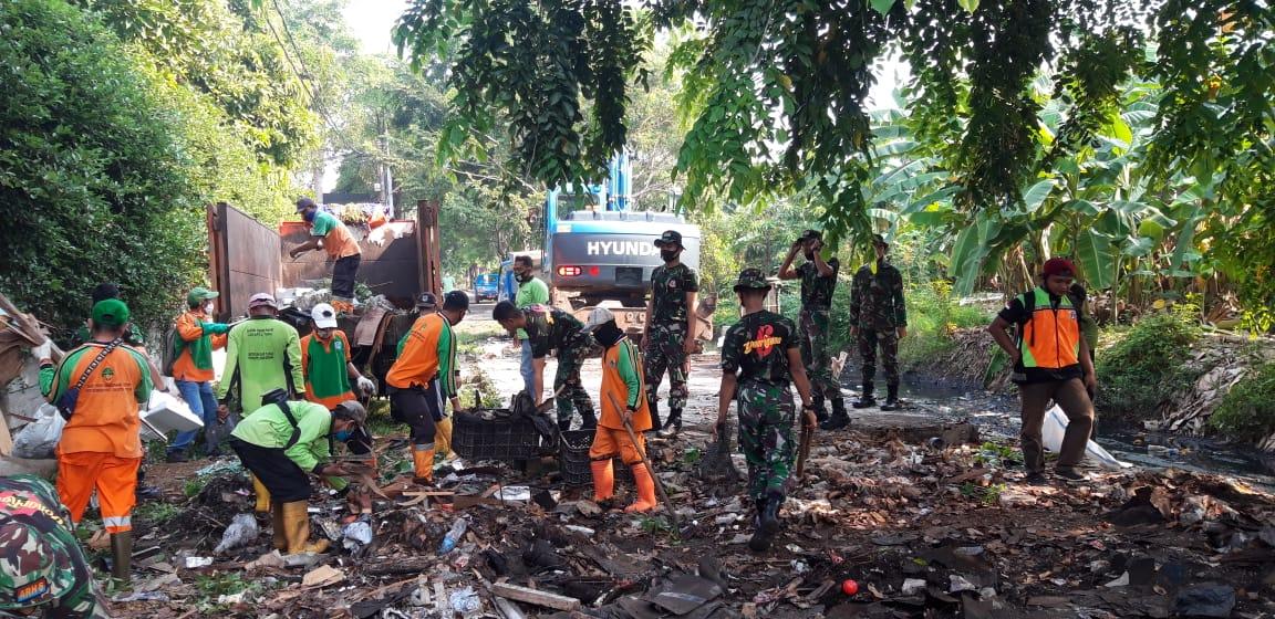 Antisipasi Banjir, Koramil 03/Tanjung Priok Mengikuti Grebek Lumpur