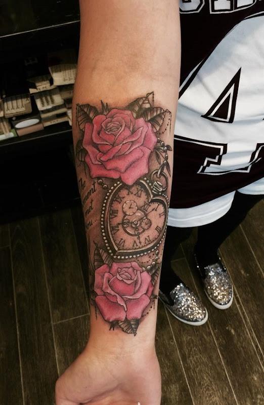 coraço_em_forma_de_relgio_de_bolso_antebraço_tatuagem