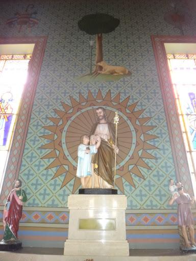 Parede frontal da Capela dedicada a São José