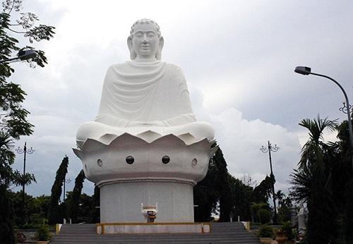 da-nang-hotel-Hoa-My-buddha