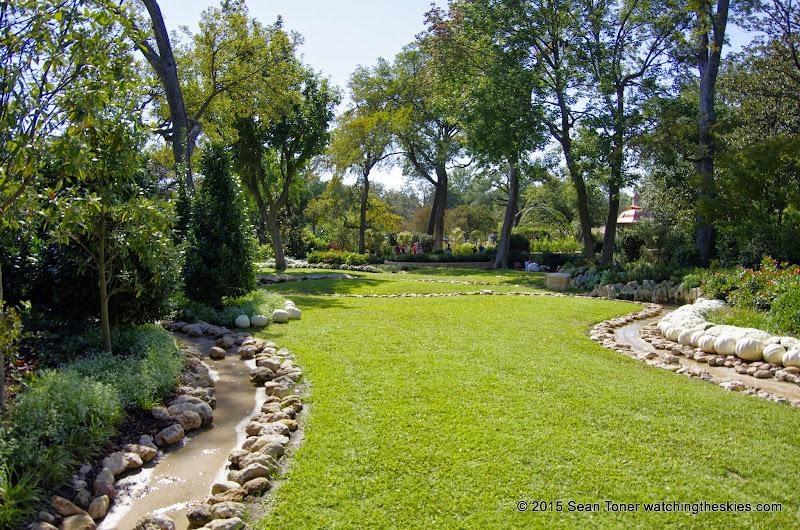 10-26-14 Dallas Arboretum - _IGP4318.JPG