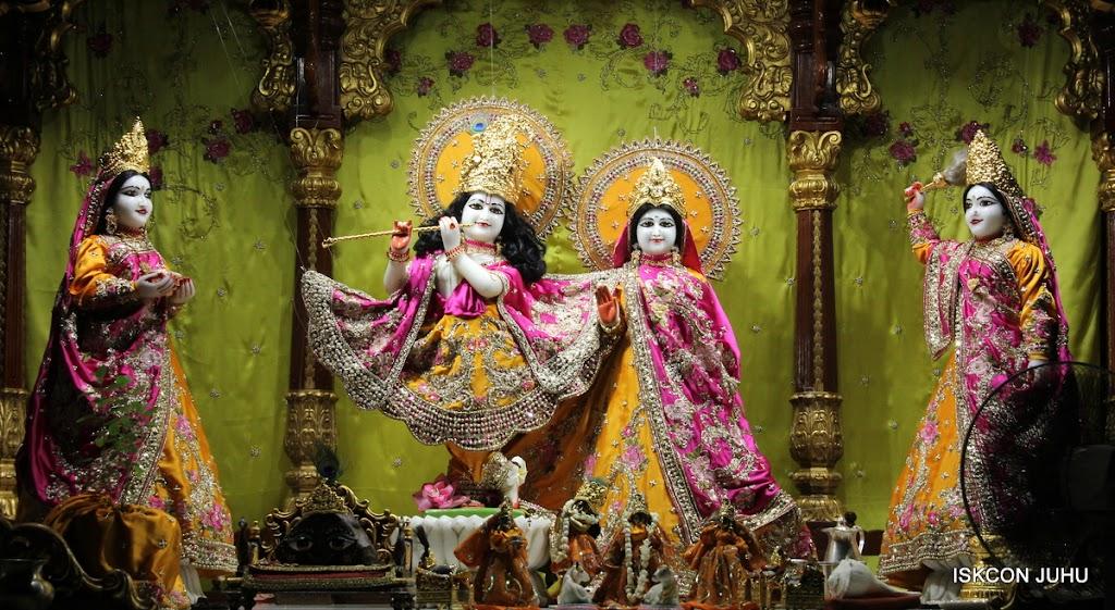 ISKCON Juhu Mangal Deity Darshan on 24th Aug 2016 (21)