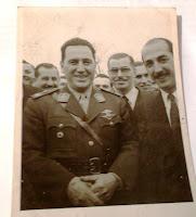Perón comitiva y Guillermo  Aquiles  Almejun