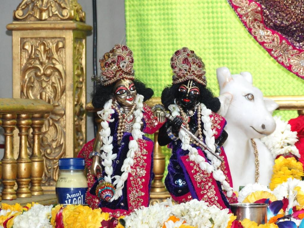 ISKCON Punjabi Bagh Deity Darshan 16 Mar 2016 (11)