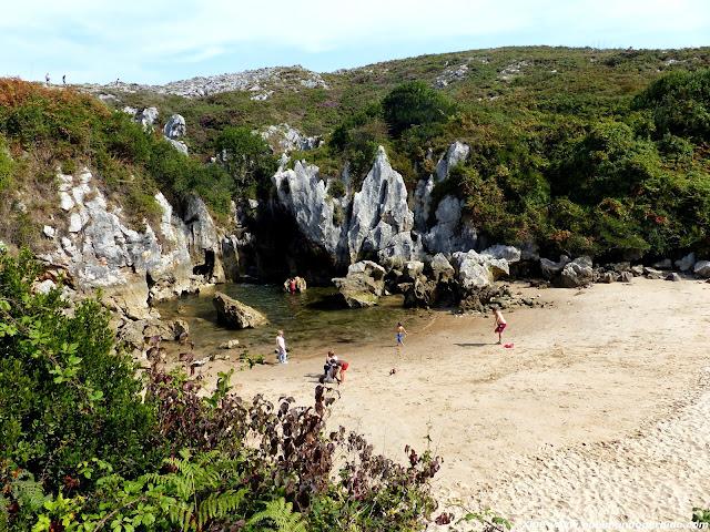 playa-gulpiyuri-asturias.JPG