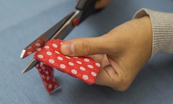 Corte o papel crepom