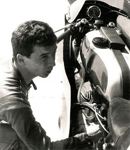 Jean Pierre Beltoise et sa 250 Bultaco