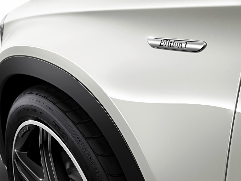 005 2015 Mercedes-Benz GLA-Class Edition 1