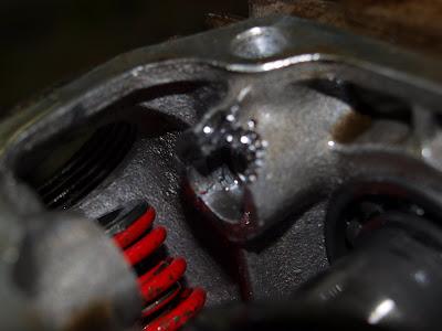 Rahinaa moottorijarrutuksessa