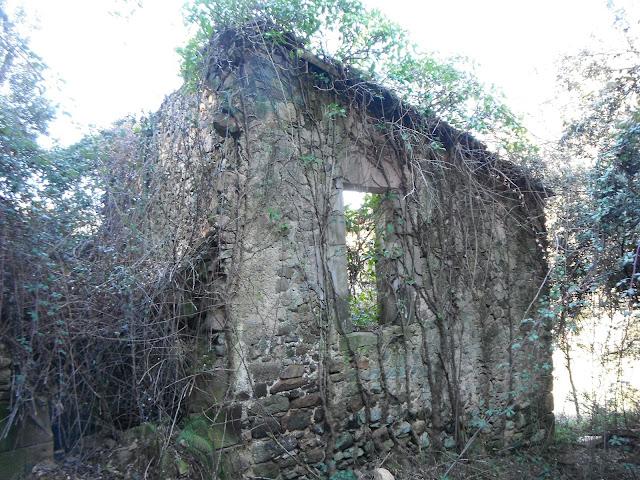Porta penjada de can Sidró