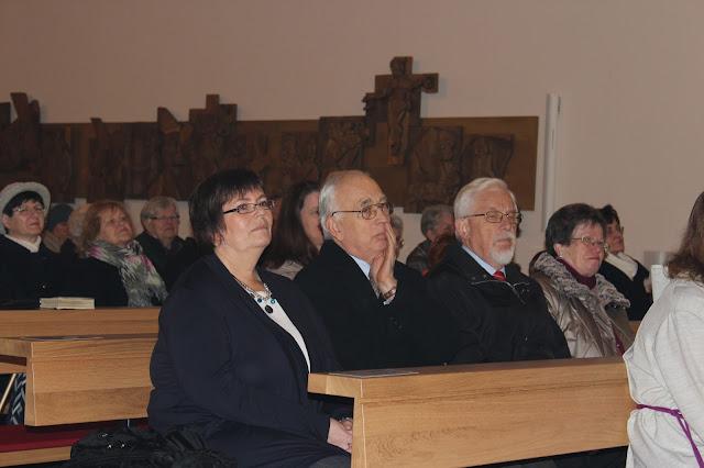 Überreichung Ernennungsurkunde  Pfarrer Müller 2012 - IMG_6767.JPG