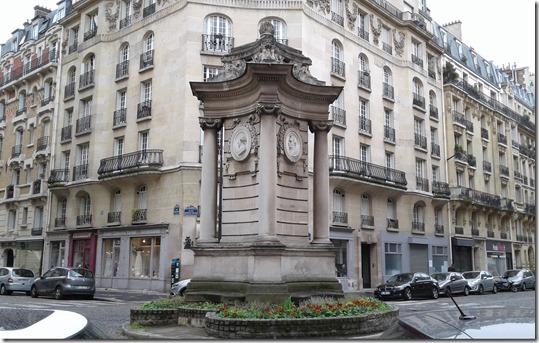 Place Georges Mulot - Fontaine du Puits de Grenelle (2)