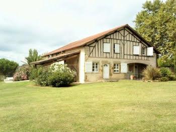 maison à Beaumarchés (32)
