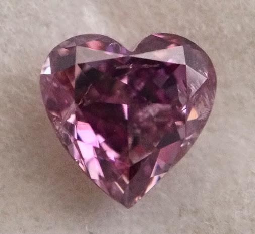https://lh3.googleusercontent.com/-oZo2EqDdjvQ/VBsbjAebU8I/AAAAAAAAAjI/gIpld4cxvyo/w506-h750/Pink_Purple_diamond_RM30605.JPG