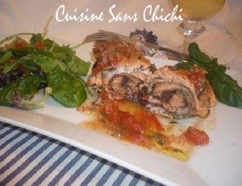 Rôti de saumon à la tapenade d'olives noires et sa sauce vierge