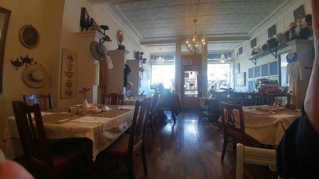 Crossroads Tea Room The - Restaurant in Perth