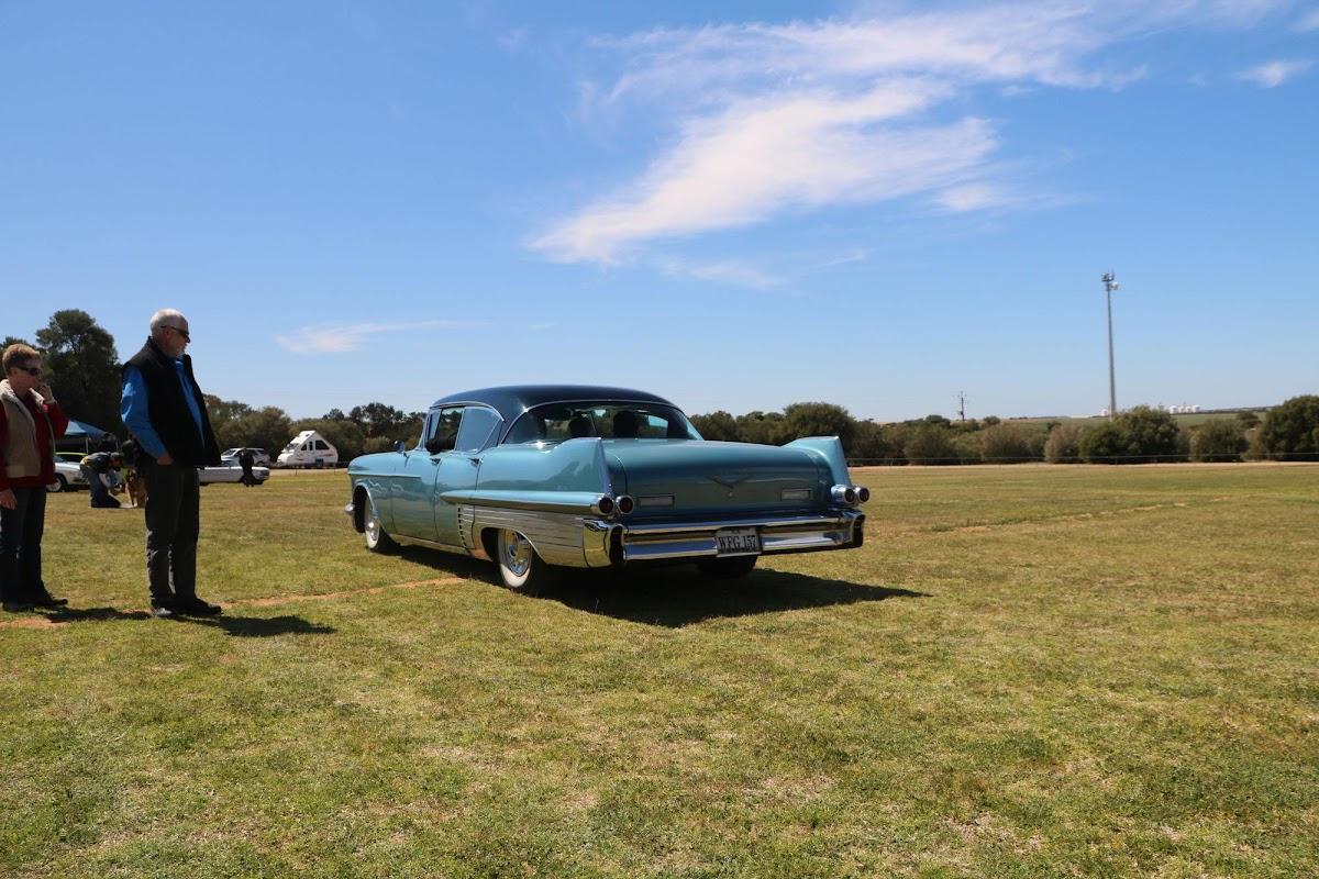 Cadillac (07).jpg