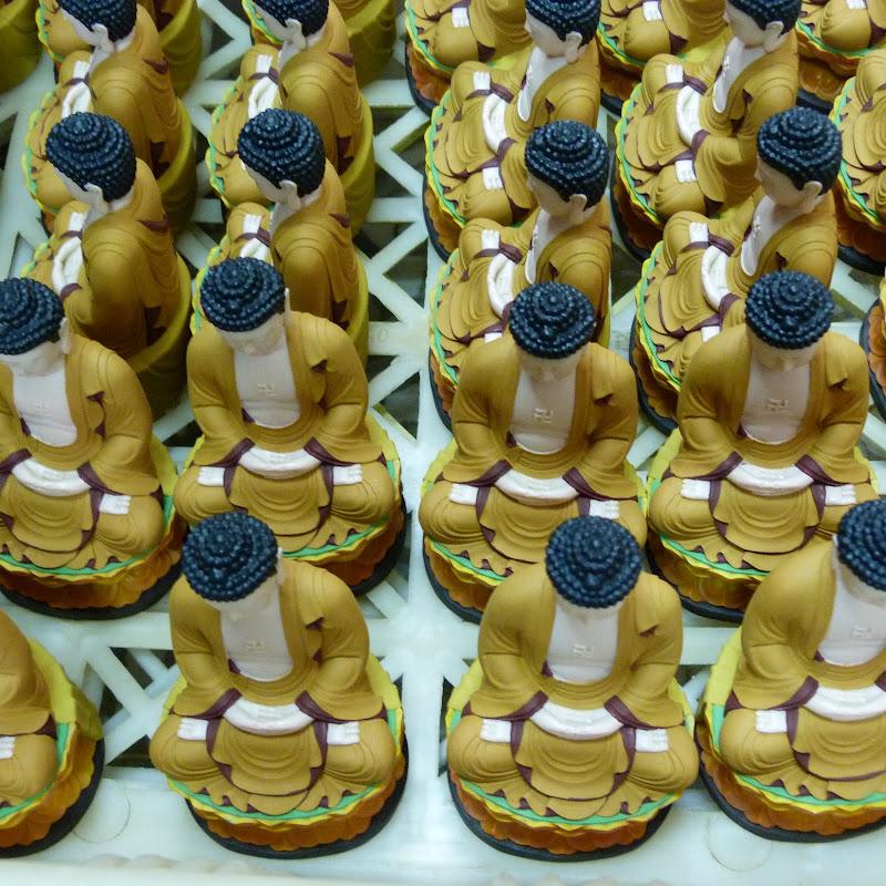 Puli. Divers et Golden Buddha.J 12 - P1170428.JPG
