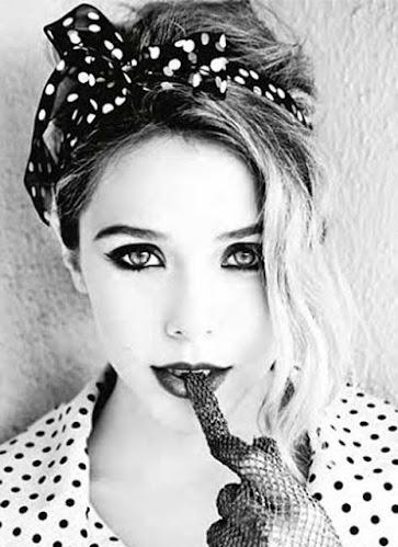 Elizabhet Olsen, blanco y negro