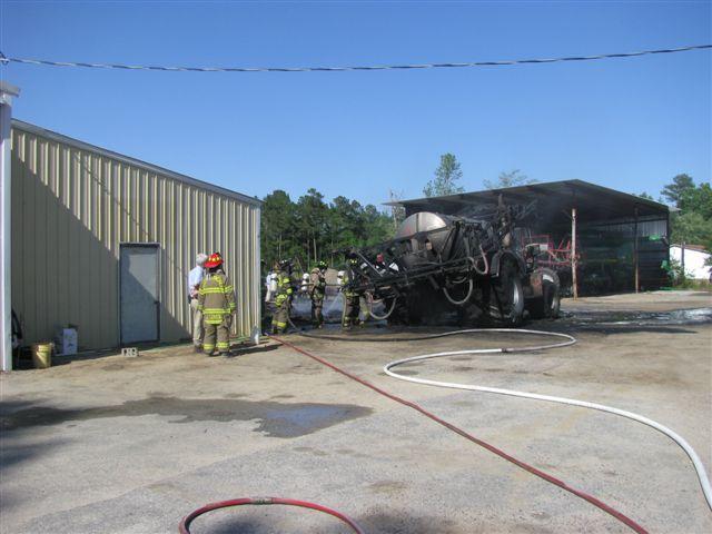 Floyd Farm Service Fire 016.jpg