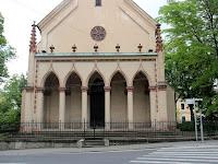 03 A templom bejárata.JPG