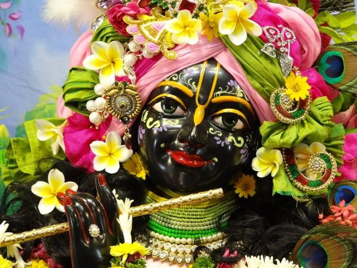 ISKCON Nigdi Deity Darshan 17 Dec 2015 (23)