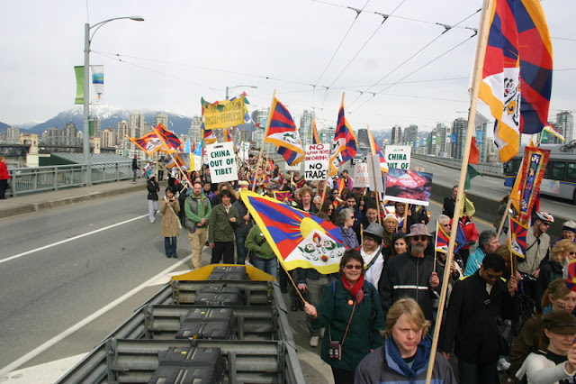 Global Protest in Vancouver BC/photo by Crazy Yak - IMG_0294.JPG