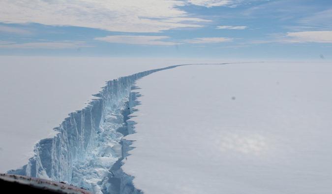 A Antártica está dividida 00